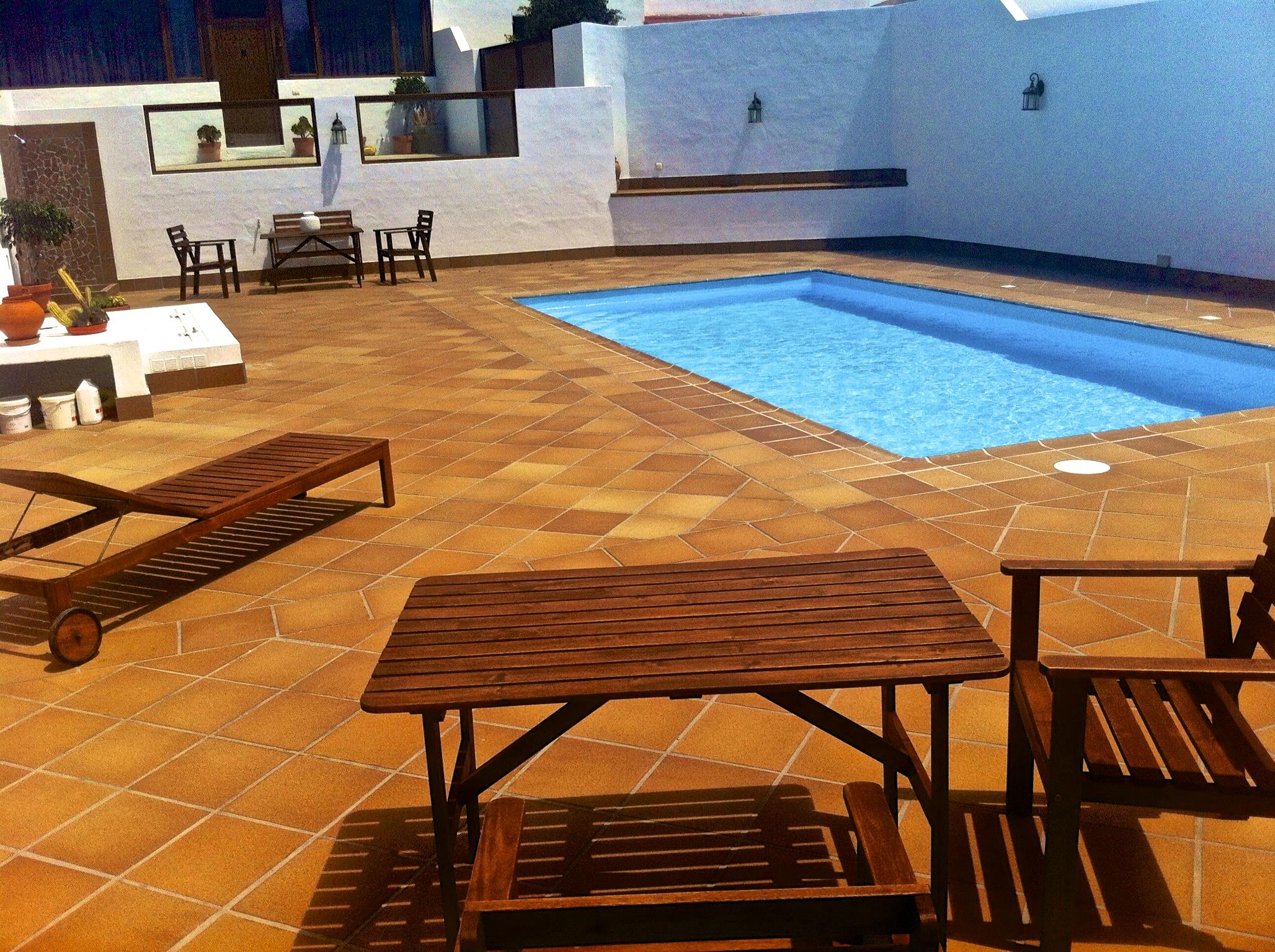 Coste piscina gallery of declogo de piscina sostenible for Piscina campolongo